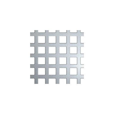 Plaque en métal avec percements carré.